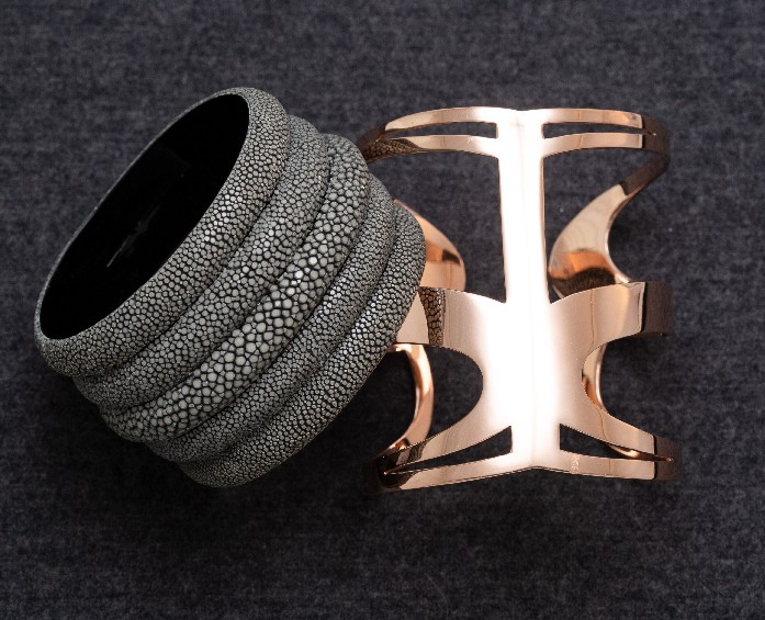 simone-smith-gravel-cuff-black